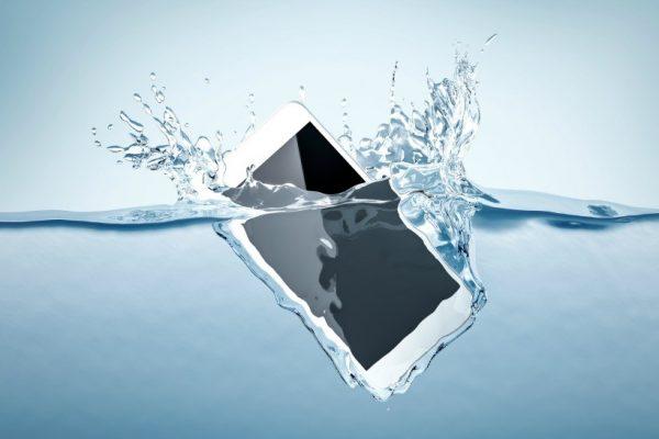 underwater-cellphone-1